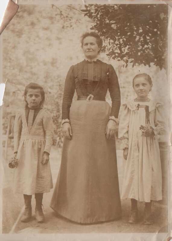 Marie et Fernande Anriot