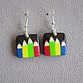 Boucles 4 crayons couleurs vives 9€