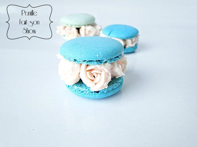 Macarons printaniers - {petites fleurs de crème }.