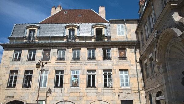 20180528 Bzsançon Au bout de la grande rue trompe l'oeil avec Courbet