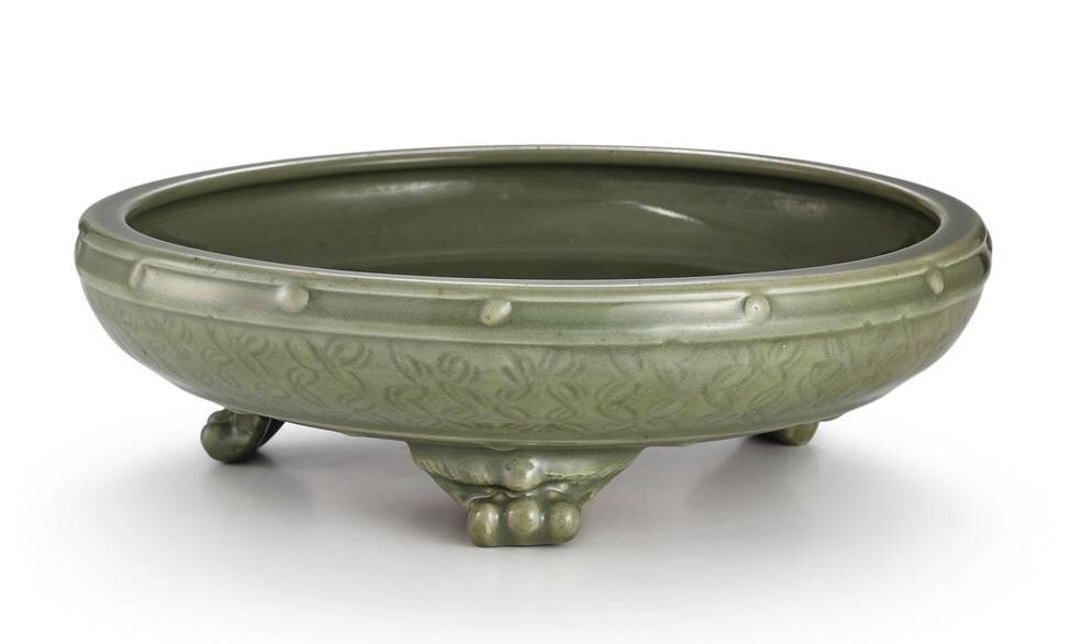 A_large__Longquan__celadon_glazed_tripod_narcissus_bowl__Late_Yuan___Early_Ming_dynasty