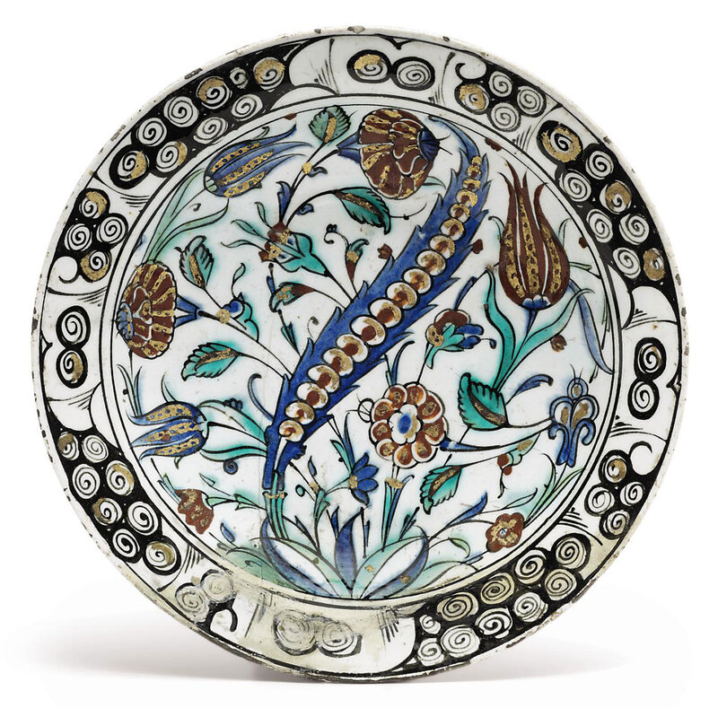 2010_CKS_07871_0307_000(an_iznik_pottery_dish_ottoman_turkey_early_17th_century)