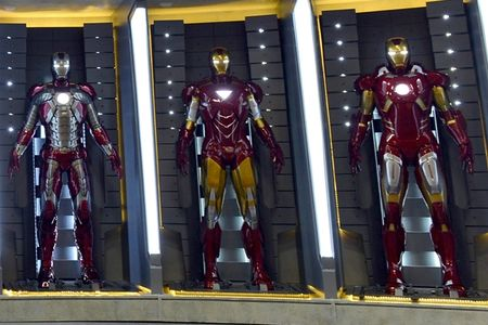 comic-con-2012-iron-man-3-armor-booth-1