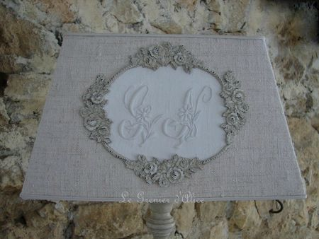 Abat jour rectangle pyramide chanvre serviette ancienne monogramme ornement patine decoration de charme shabby chic le grenier dalice gf