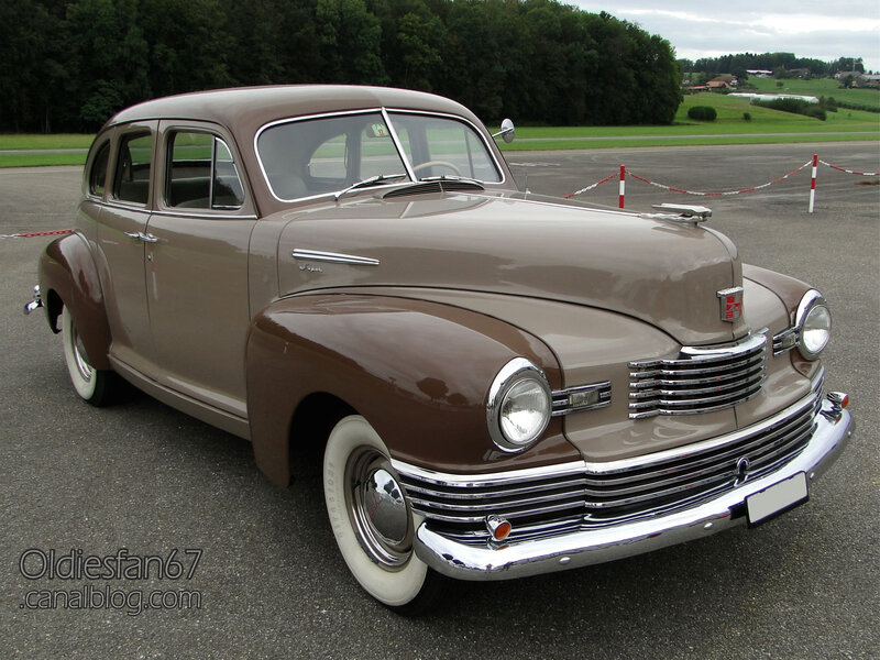 Nash Ambassador Super fastback sedan-1948-01