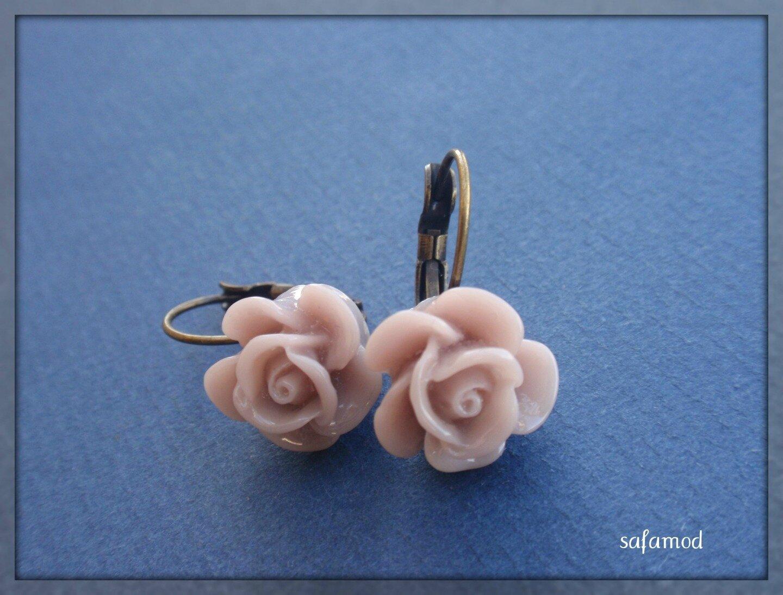boucles-d-oreille-boucles-d-oreilles-dormeuses-fleurs-4187365-p6020518-7bd69_big