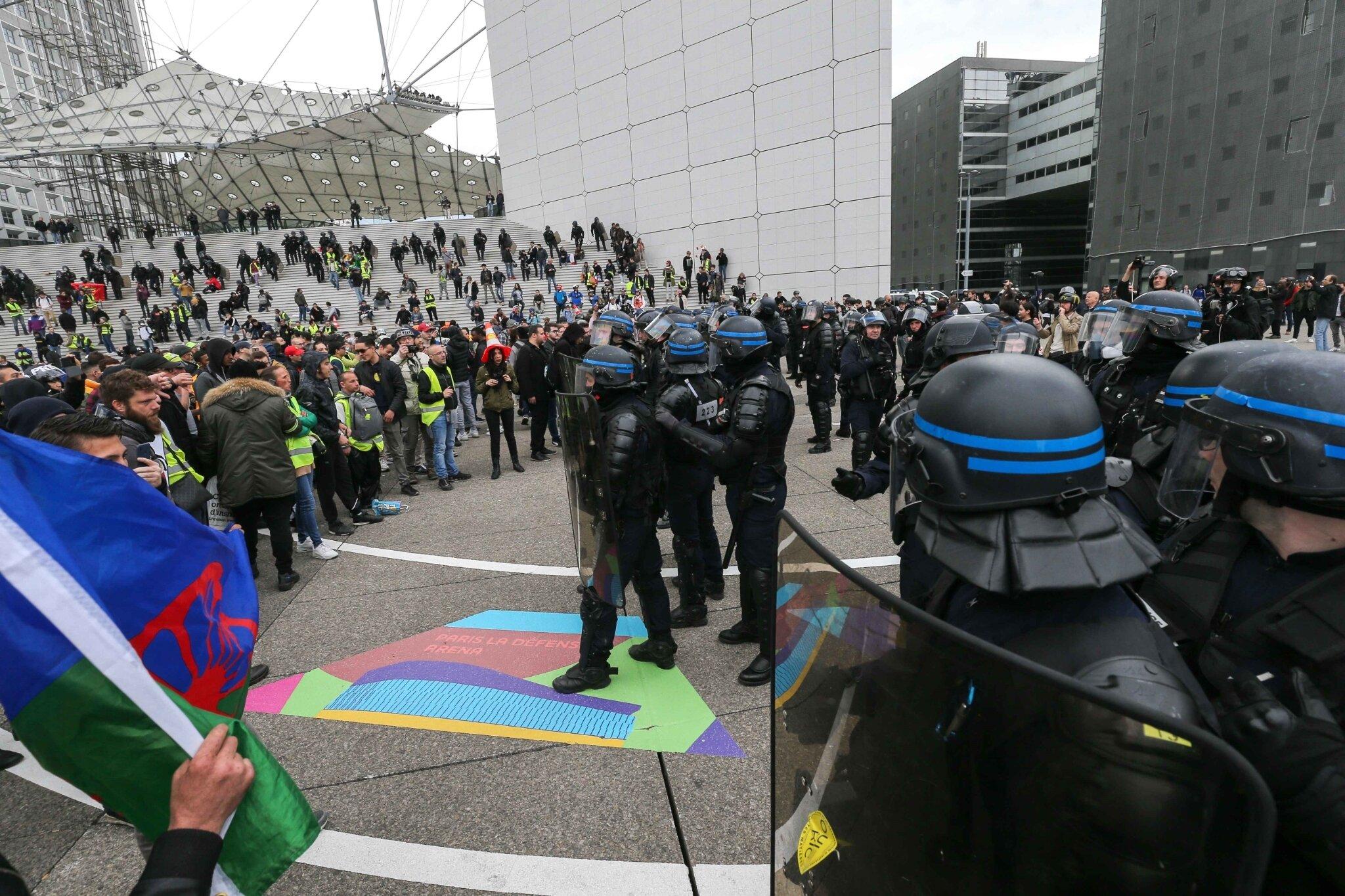 « Gilets jaunes » : la mobilisation marque le pas avant le 1er-Mai. © Michel Stoupak. Sam 27.04.2019, 16h56m09.
