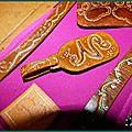 Bracelets & porte-clefs - premières oeuvres