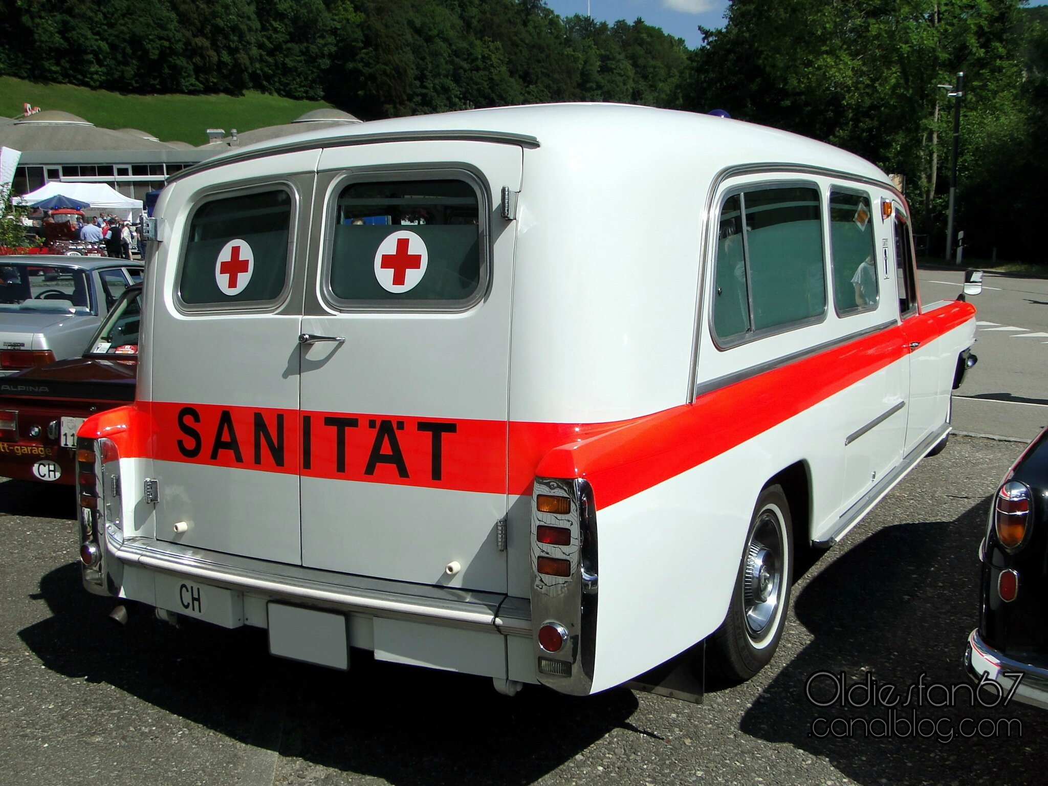 cadillac-ambulance-by-w-kong-1963-2