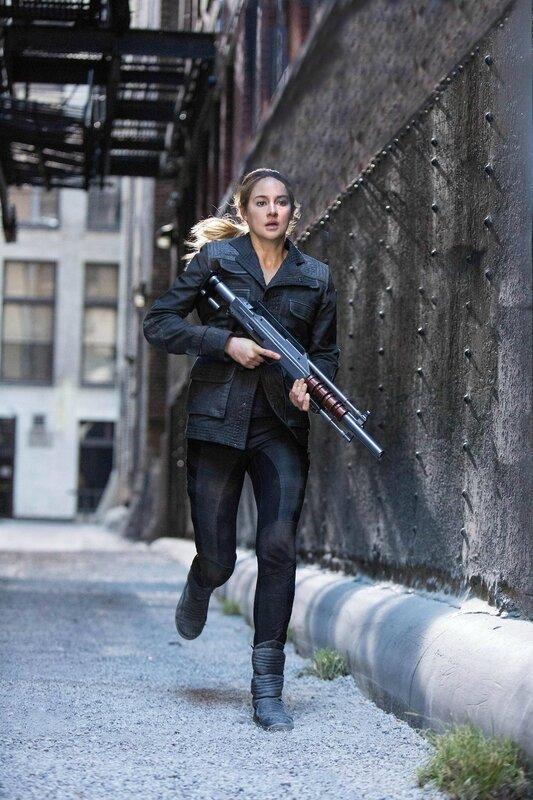 Shailene Woodley as Tris Divergent movie