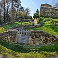 Légendes du poitou : les hantises du château féodal de saint- pompain (deux-sèvres)