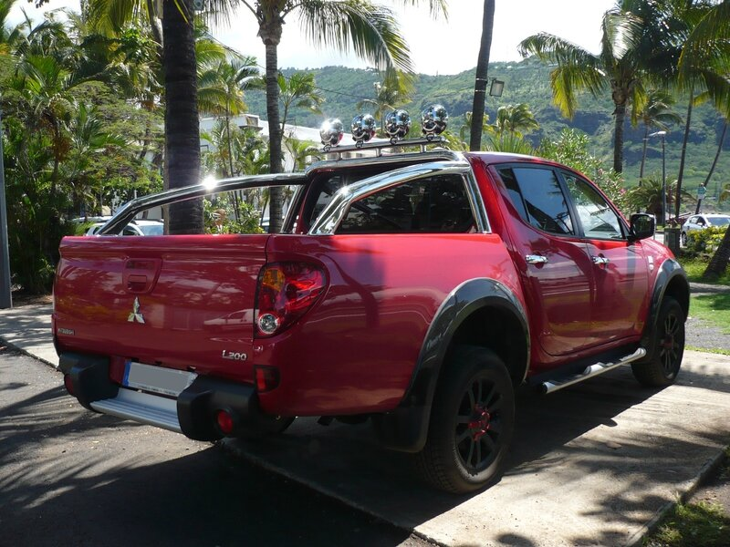MITSUBISHI L200 Appalaches pick-up Saint Denis (2)