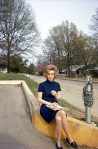 william-eggleston-memphis-c-1969-71-women-sitting copie