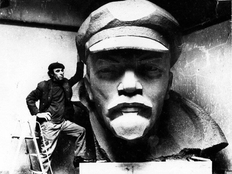 David Fisher and the Bust of Lenin_1970