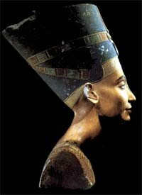 Macintosh HD:Desktop Folder:ART et fantastique:9nefertiti2