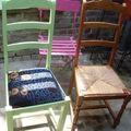 Des chaises hautes en couleur