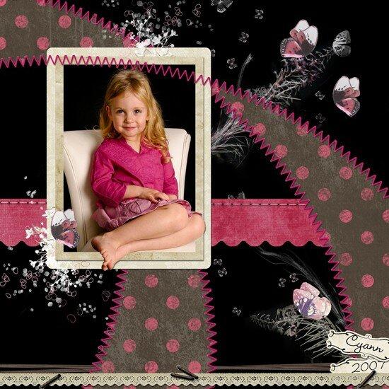 cyann_fauteuil_rose_noir