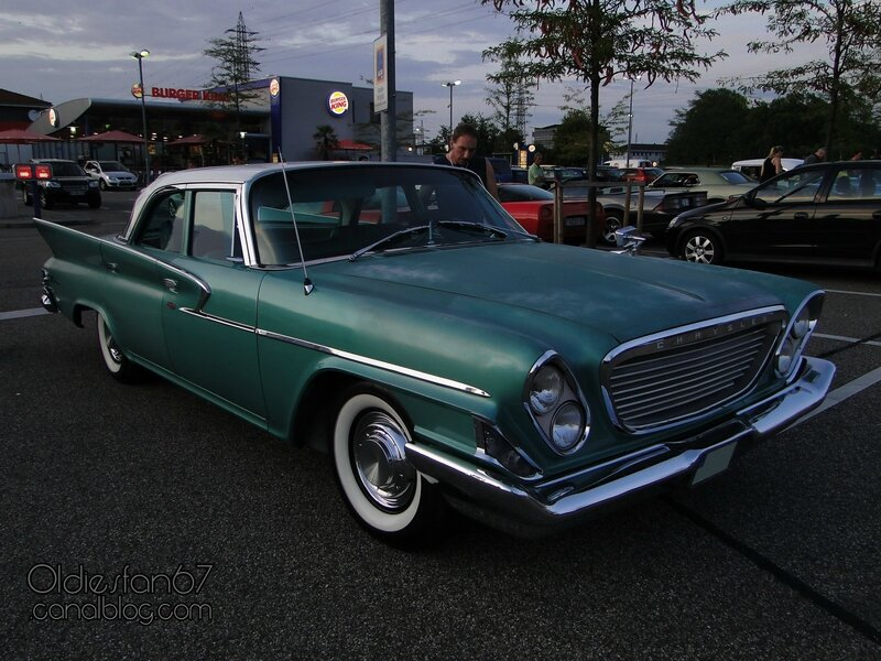 chrysler-windsor-sedan-1961-01