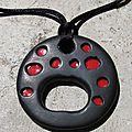 porte lunettes rouge et noir