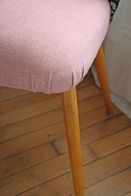 chaise-cocktail-tapissier-rifle-paper-co-detail