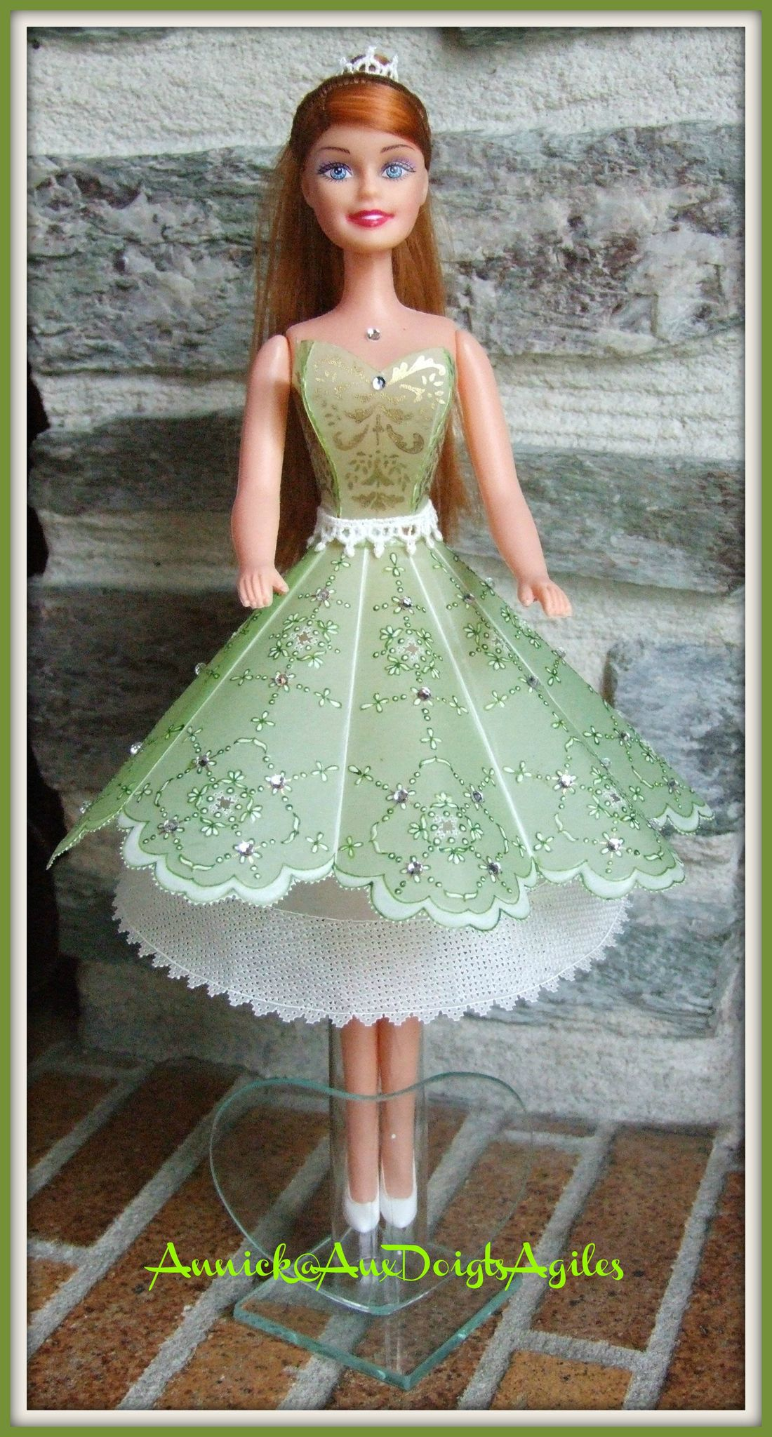 Robe-Barbie-2012-003