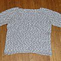 Pull col v tricoté en une seule pièce