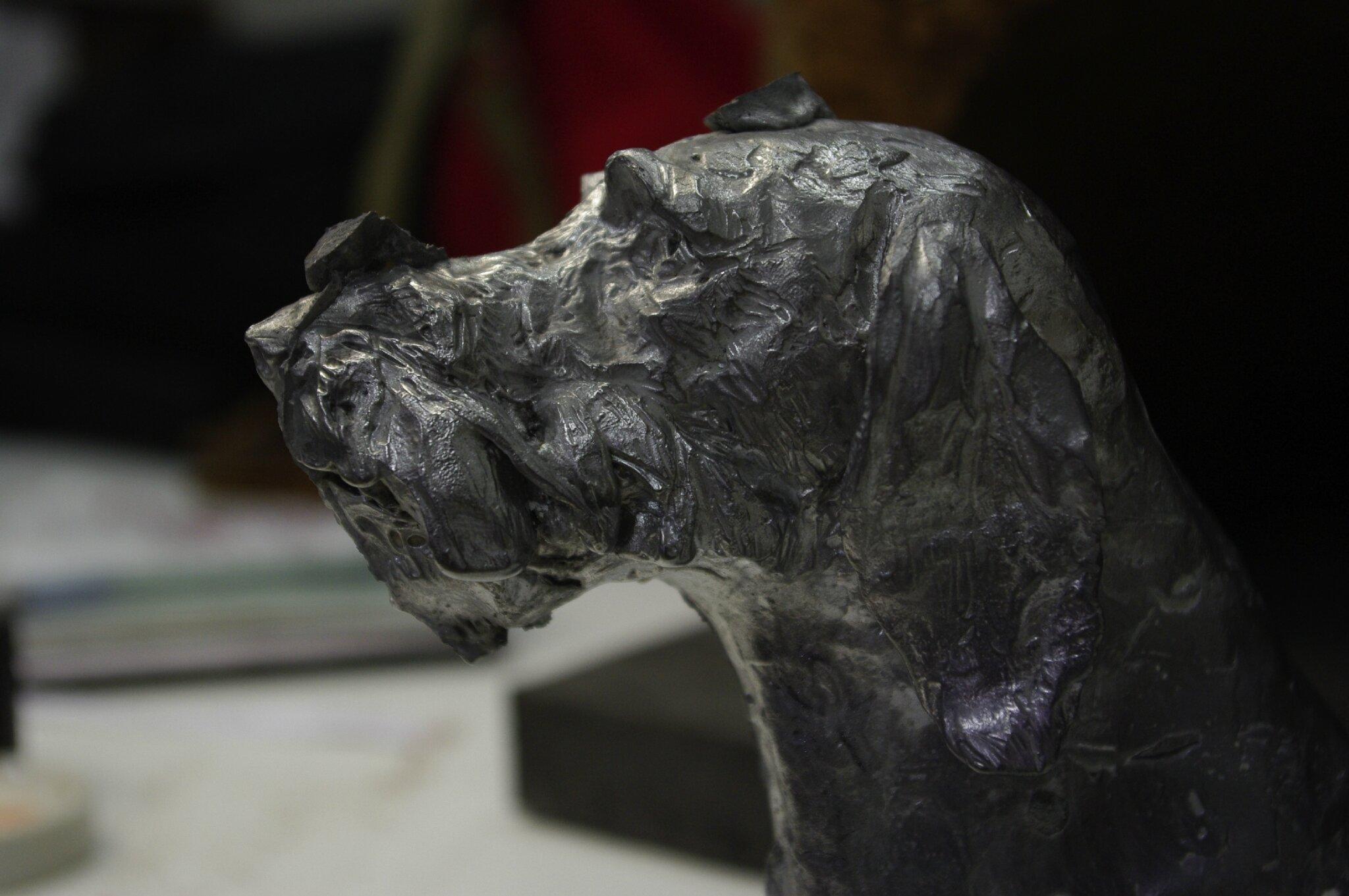 Fulbert DUBOIS sculpteur Tours 37 - sculpture tête chien de chasse - dratar - étain - brut de fonte