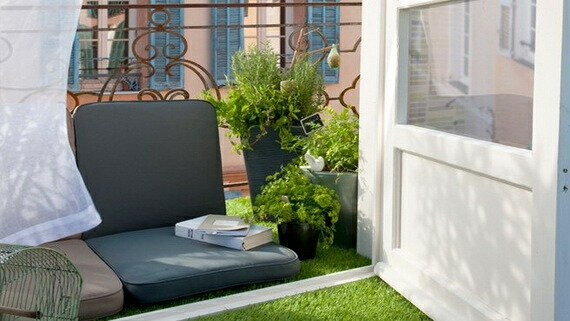 decoration-petit-balcon-confortable