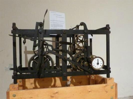 horloge à cage