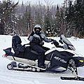 On profite de l'hiver, et on fait de la motoneige!!
