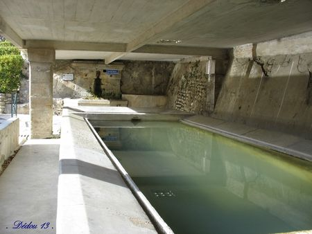 Photo_078_lavoir_et_fontaine_de_la_monge