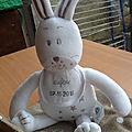 Doudou lapin pour eugene