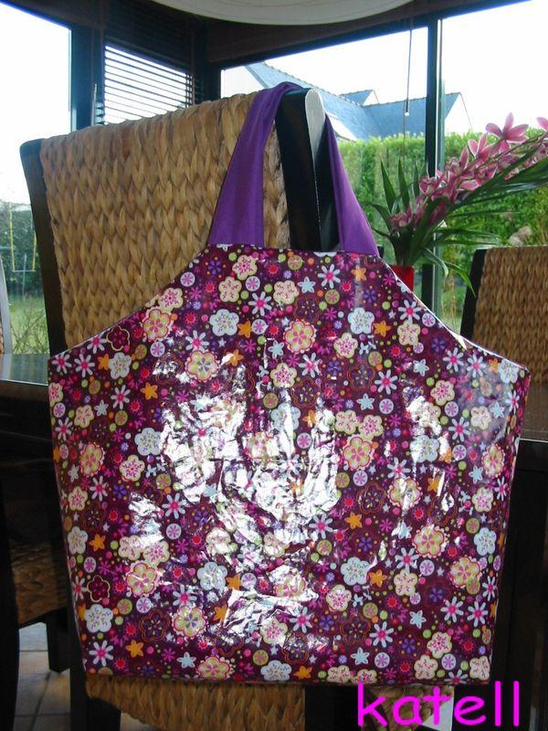 mon sac plastifié à petites fleurs