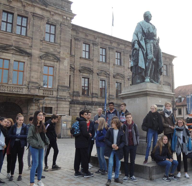 Vor dem Stadtschloss
