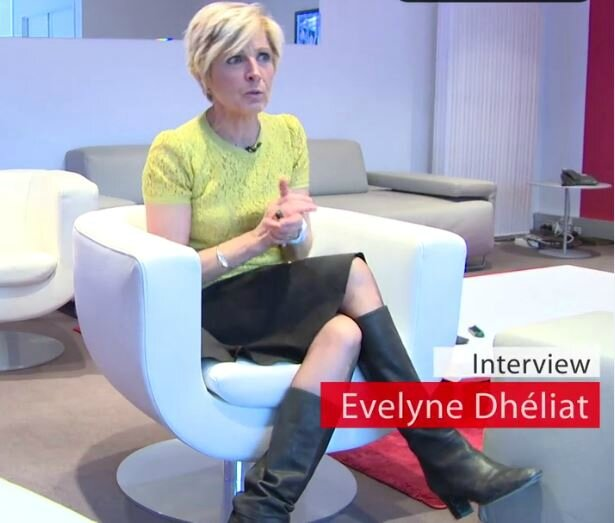 Evelyne Dhéliat 16500 05 0 15