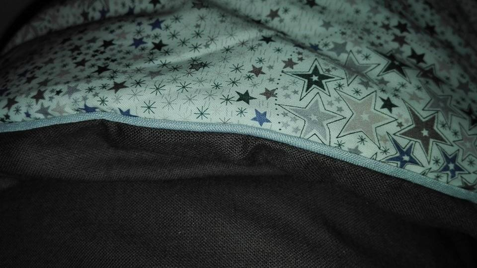 Plaid JULIE en Liberty Adelajda gris, dos coton fgris/brun et passepoil gris