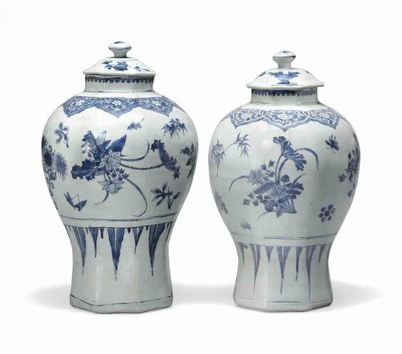 Two large 'Hatcher cargo' blue and white jars and covers, Transitional, mid-17th century