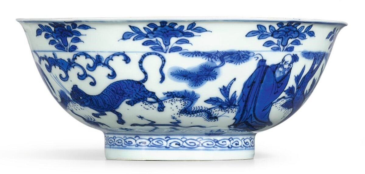 A blue and white 'wudu and dragon' bowl, Mark and period of Wanli (1573-1619)