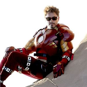 robert_downey_junior_in_iron_man_2_suit_mark_2