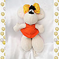 Doudou peluche souris robe orange noeud jaune diddl diddlina despeche