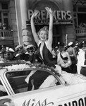 1952_09_02_atlantic_city_miss_america_parade_010_020