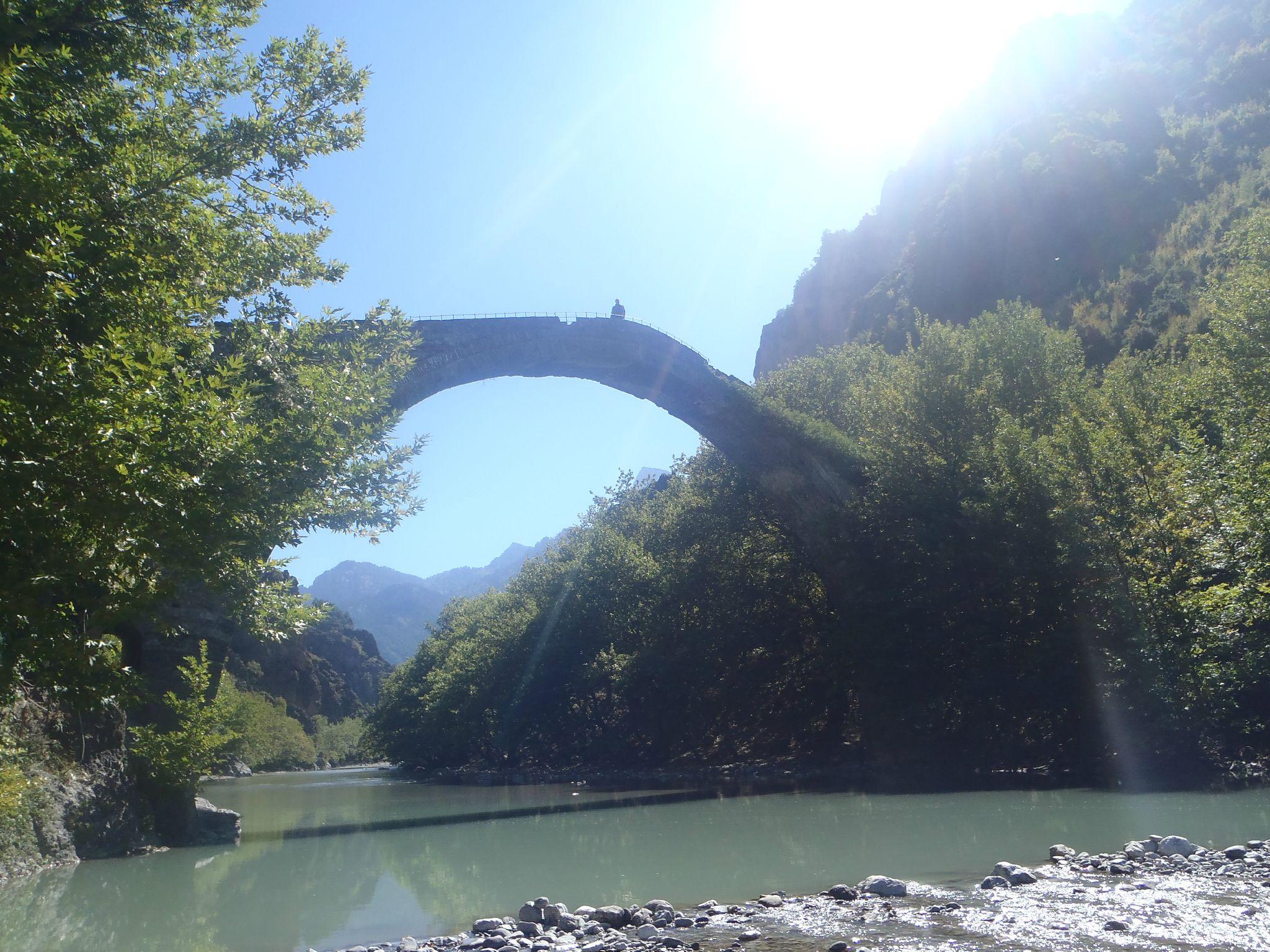grèce proche macédoine pont romain