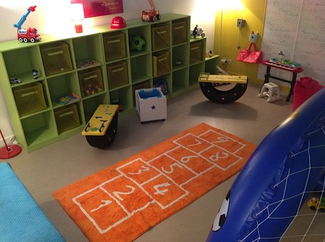 un tapis pour une salle de jeux mon shopping tapis enfants. Black Bedroom Furniture Sets. Home Design Ideas