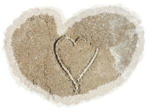 coeur-dans-le-sable_21031657
