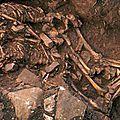 Couple enlacé de 6000 ans en Grèce