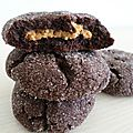 Cookies chocolat fourrés au beurre de cacahuètes