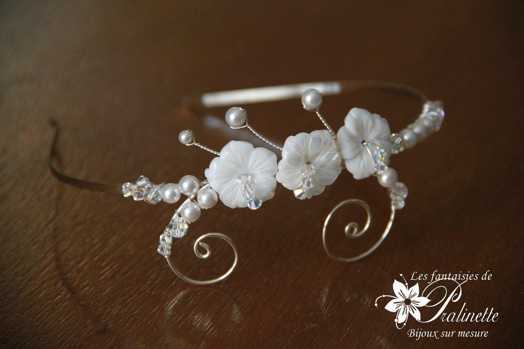 bijoux-mariage-serre-tete-fleur-de-nacre-personnalise