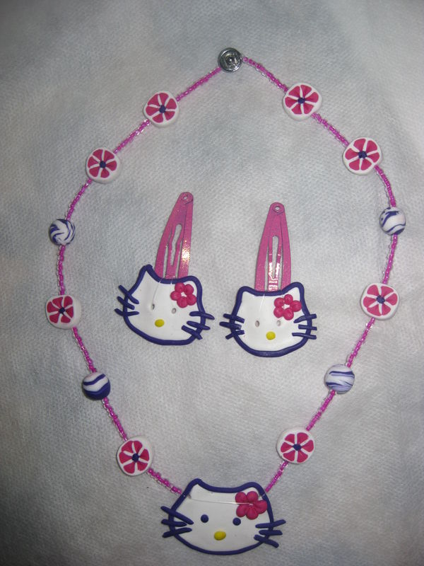 collier hello kitty et 2 barrettes