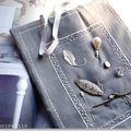 Cadre textile de collection pour les bijoux chinés