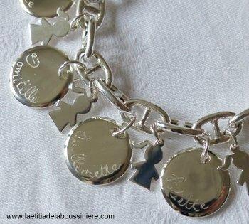 Bracelet sur chaîne maille marine en argent massif médailles bombées gravées en argent massif et mini chéris fille en argent massif